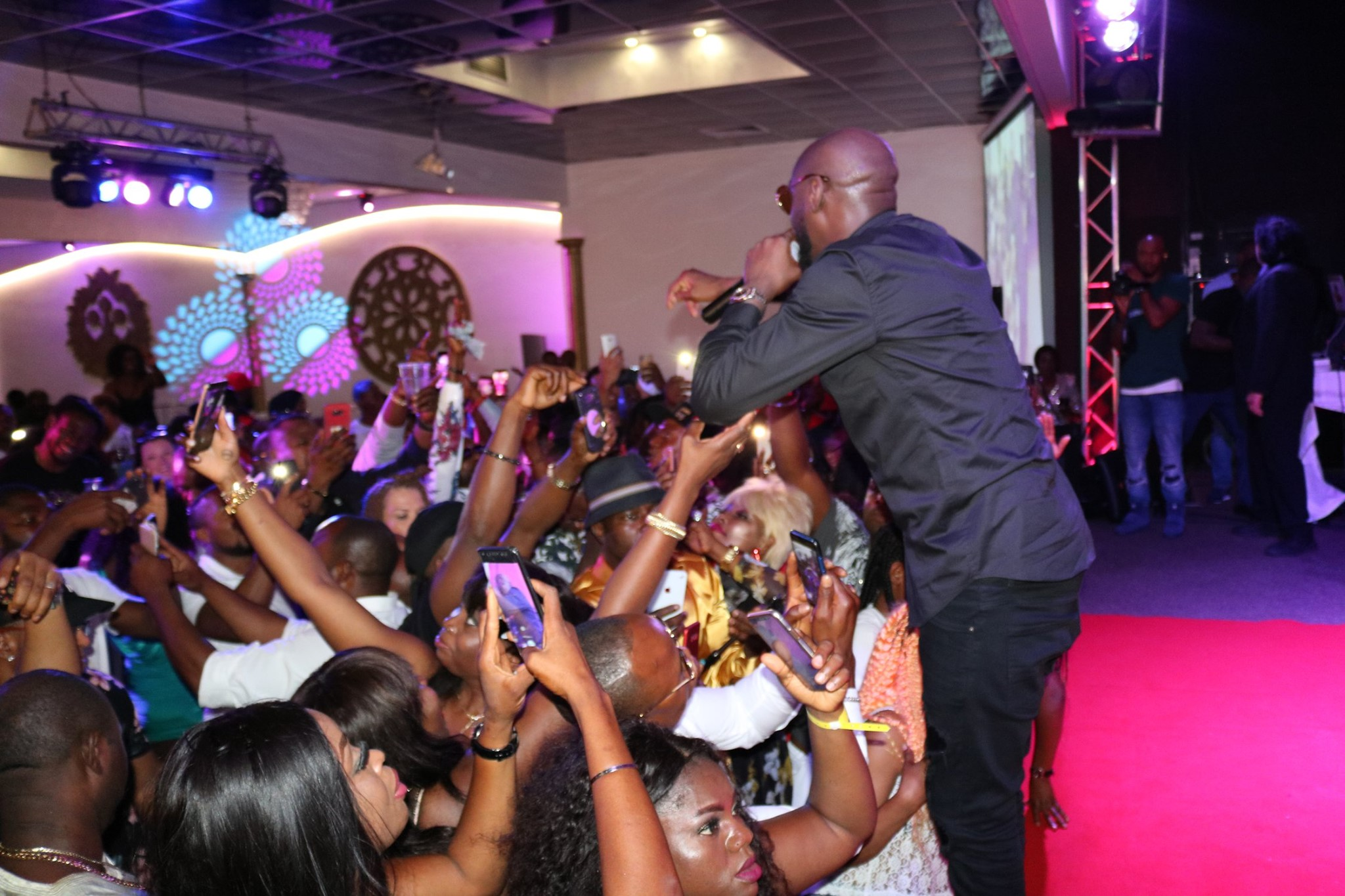 2Baba on Stage